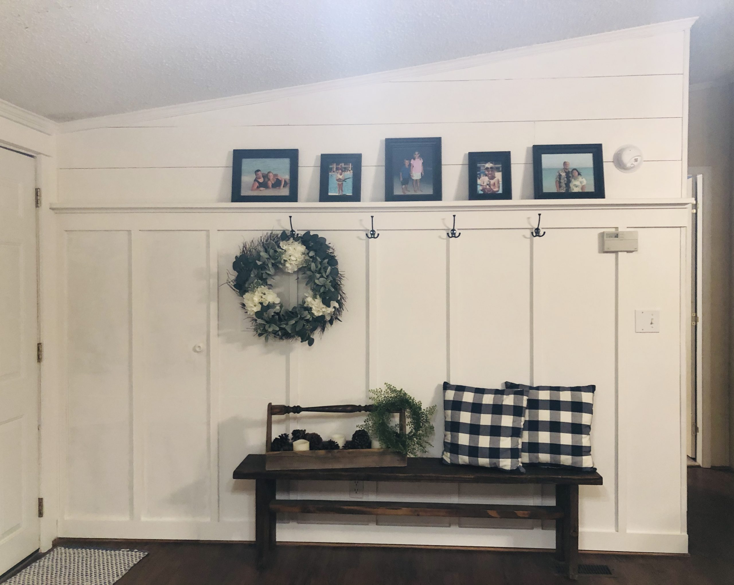 Cottage Style Entryway